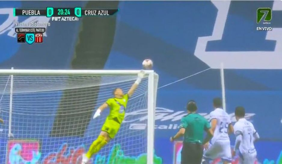 Vikonis la gran figura del primer tiempo en el Puebla vs Cruz Azul