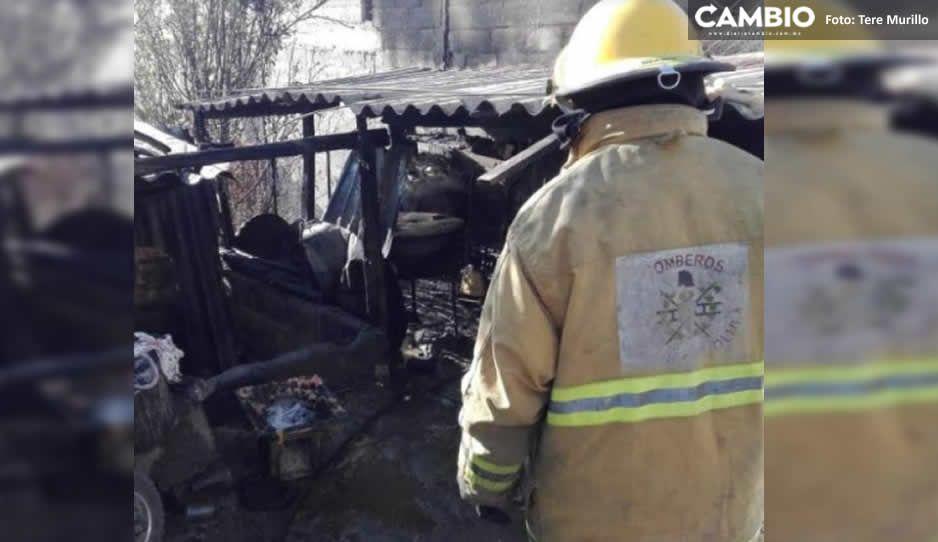 Fuga de gas detona incendio en San Pedro Cholula; dueña de la casa sufre crisis nerviosa