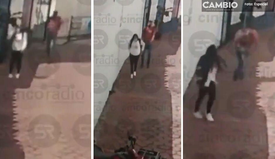 Captan a cerdo depravado tocando a una menor de edad en Texmelucan (VIDEO)