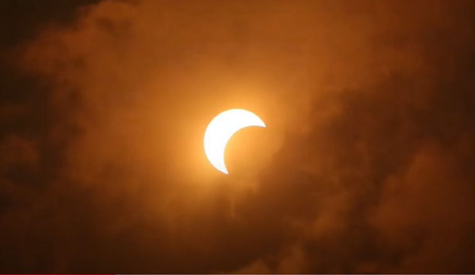"""Así se vio el espectacular """"anillo de fuego"""" al otro lado del mundo (VIDEO)"""
