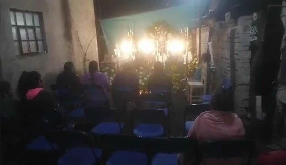 Velan restos de familia Flores, muerta por beber Rancho Escondido adulterado en El Seco