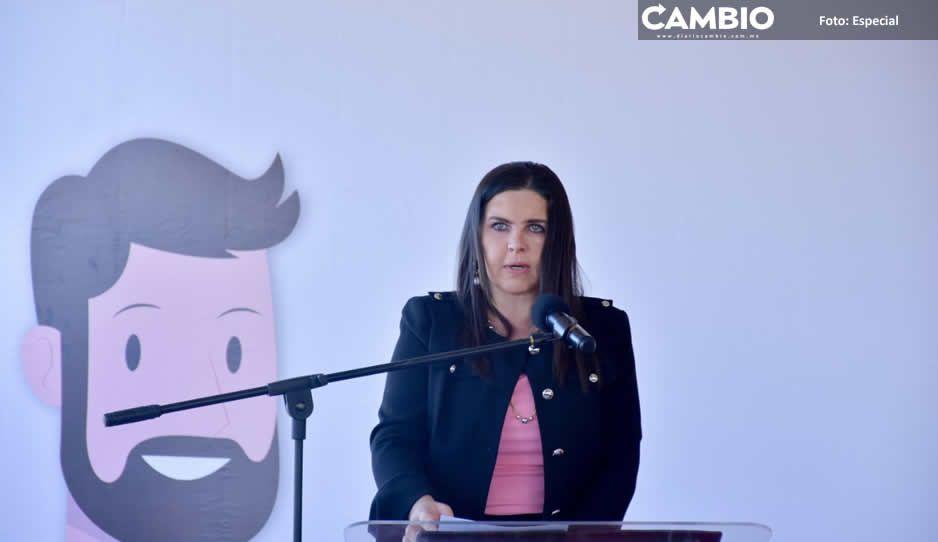 Norma Layón encabeza colocación  de primera piedra del CERI-CAS