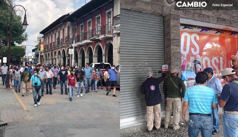 Protección Civil clausura negocios no esenciales en Huauchinango