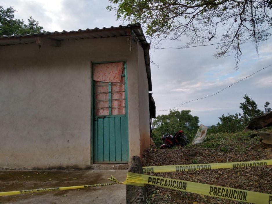 Masacre en Hueytamalco: acribillan a tres hombres mientras bebían en bar clandestino