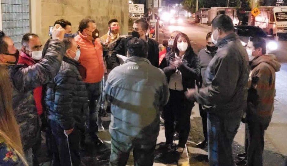 Liberan a los 6 integrantes asegurados del SME en la Subestación Zacamila de Huauchinango