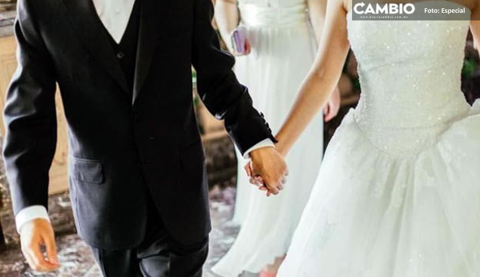 El amor en tiempos de Covid; pareja decide casarse y organizar pachangon en Huauchinango ¡olvidan el semáforo rojo y la sana distancia!