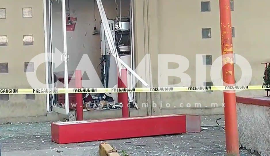 VIDEO: Con bombas intentan abrir cajero de Banorte en Texmelucan