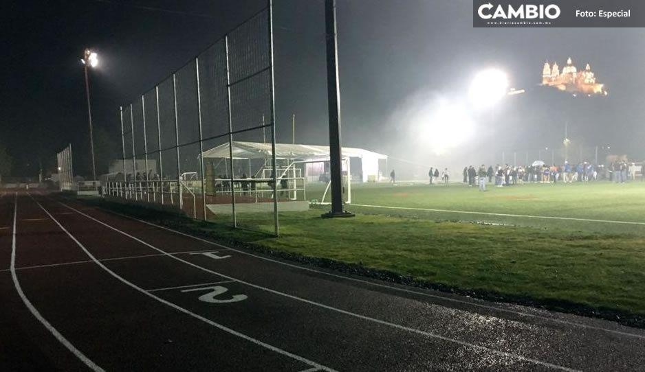 Policías de Karina detienen injustamente a jóvenes que jugaban futbol (VIDEO)
