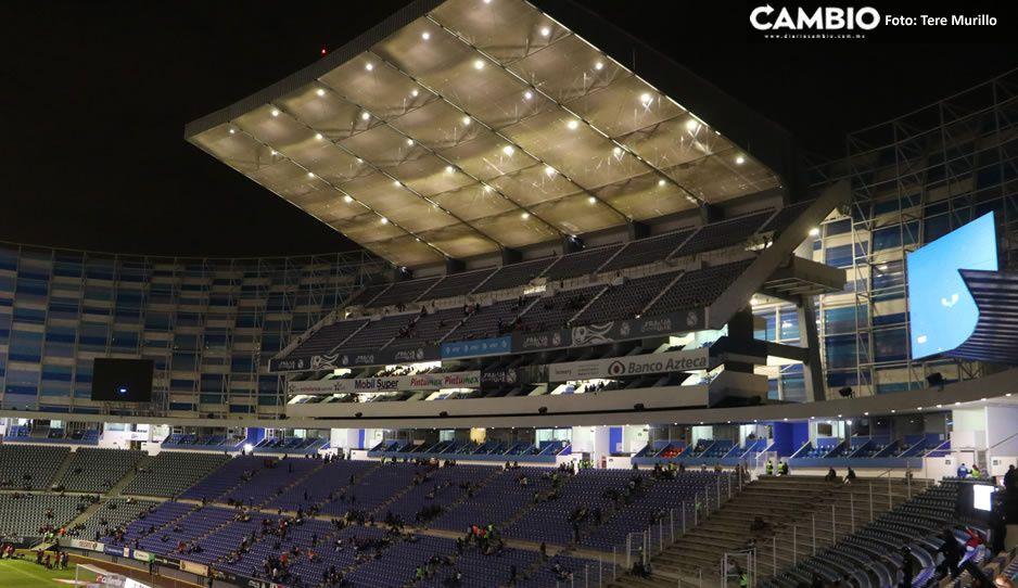 El Puebla solo había vendido 800 boletos y salía más caro prender las luces...por eso la directiva decidió él puerta cerrada