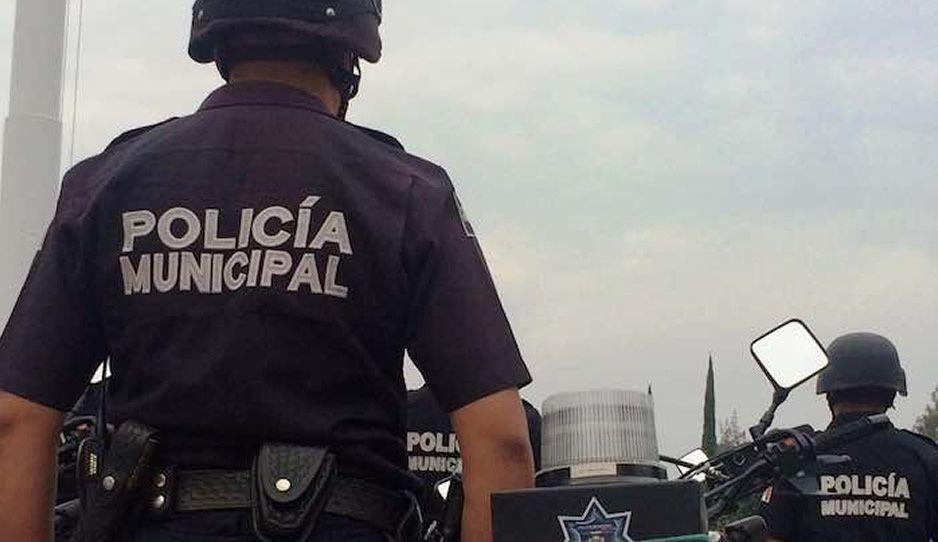 ¿Ahora quién podrá defendernos? Ratas golpean a policía para atracarlo en la Santa María la Rivera
