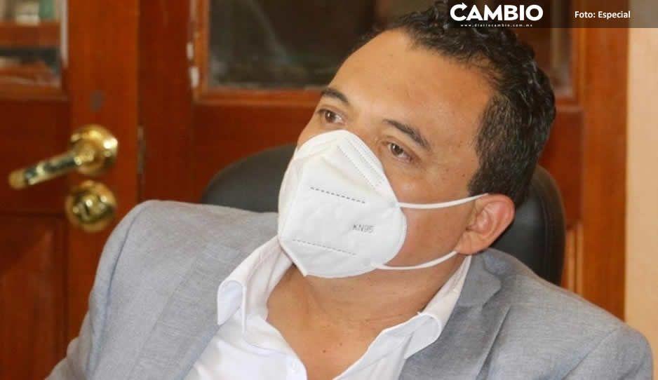 Alcalde suplente de Tehuacán se aferra  a suspensión de la SCJN para gobernar