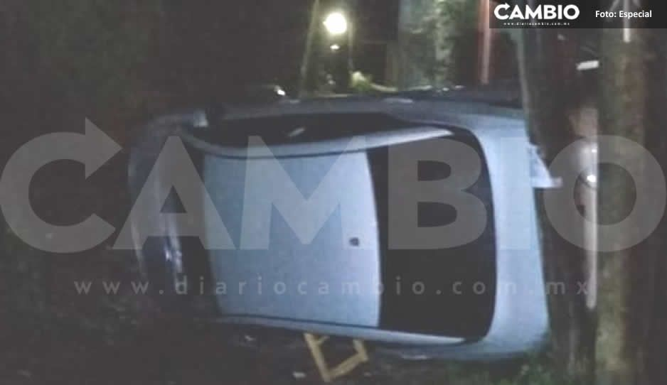 Frente Frío deja su primera víctima en Huauchinango: mujer no ve la neblina y se vuelca en su auto