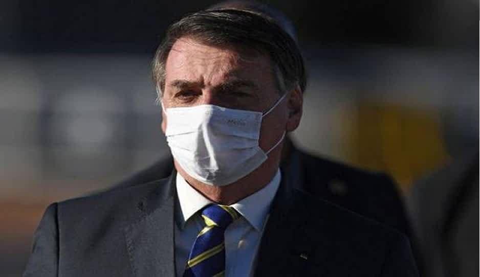 Bolsonaro de nuevo a cuarentena, da positivo por tercera vez a COVID