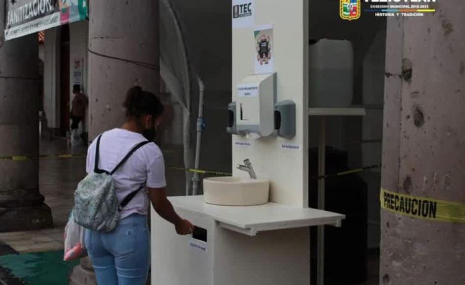 Tec de Teziutlán dona lavabo portátil al Ayuntamiento