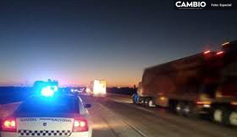 Hampones roban tráiler, policías lo recupera y rescatan a chófer en Texmelucan