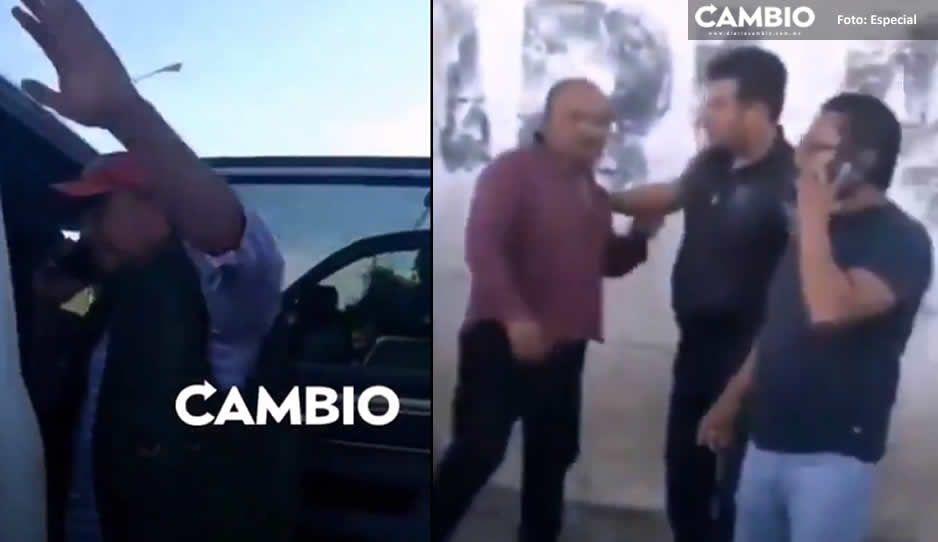 Policías Estatales agreden a familia que viajaba a bordo de un presunto auto robado en Tecamachalco (VIDEO)