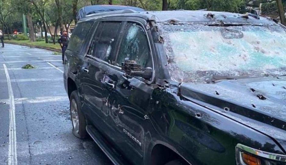 Así quedó la camioneta donde viajaba el secretario de Seguridad Omar García Harfuch, tras ataque con armas de alto poder