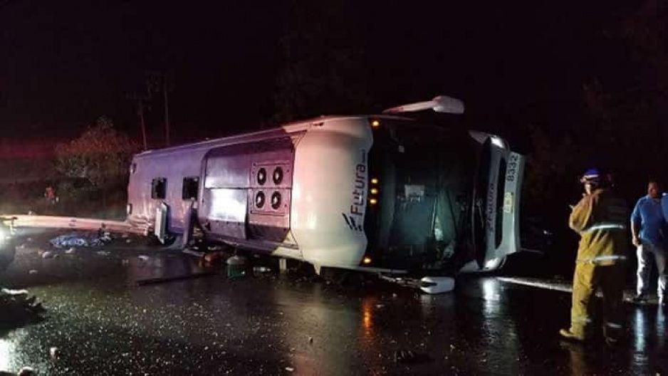 En terrible accidente, mueren diez pasajeros en la México-Toluca