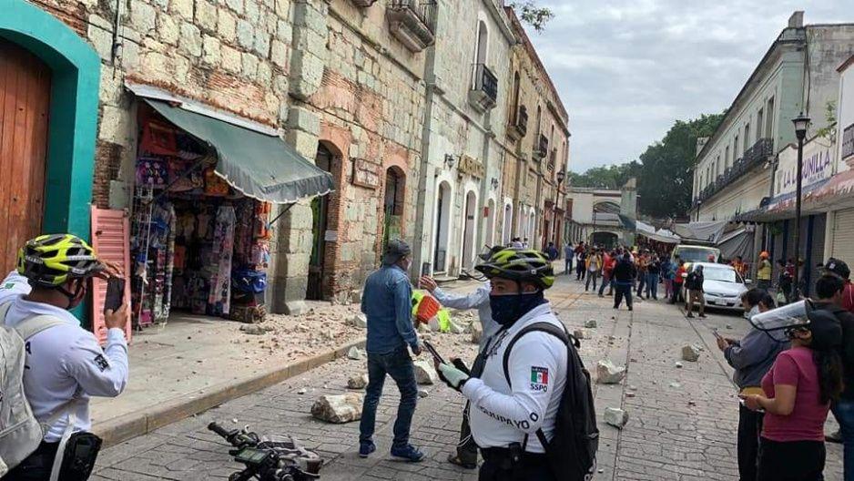 Se elevan a cuatro los muertos tras sismo de 7.5 en Oaxaca