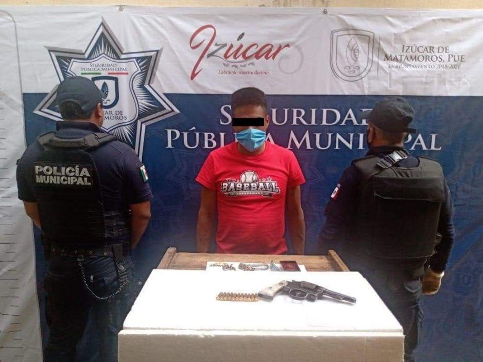 Detienen a hombre por portación ilegal de arma de fuego en Izúcar de Matamoros