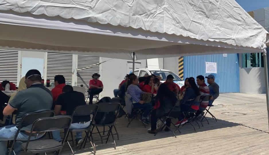 Se suman a paro trabajadores de Telmex en Atlixco