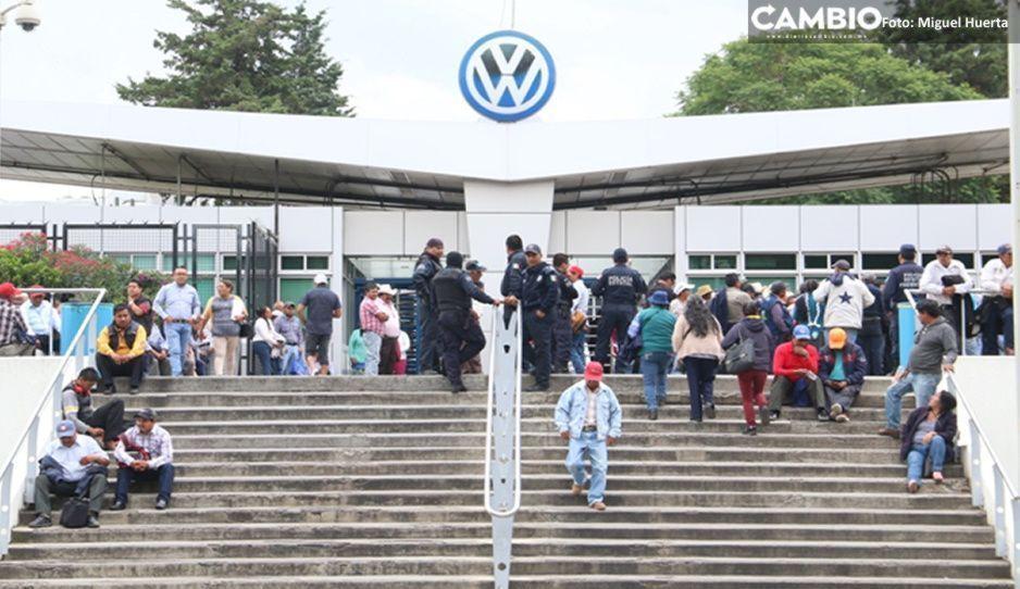 Después de tres meses, Volkswagen reanuda operaciones con 30% de sus trabajadores (VIDEO)