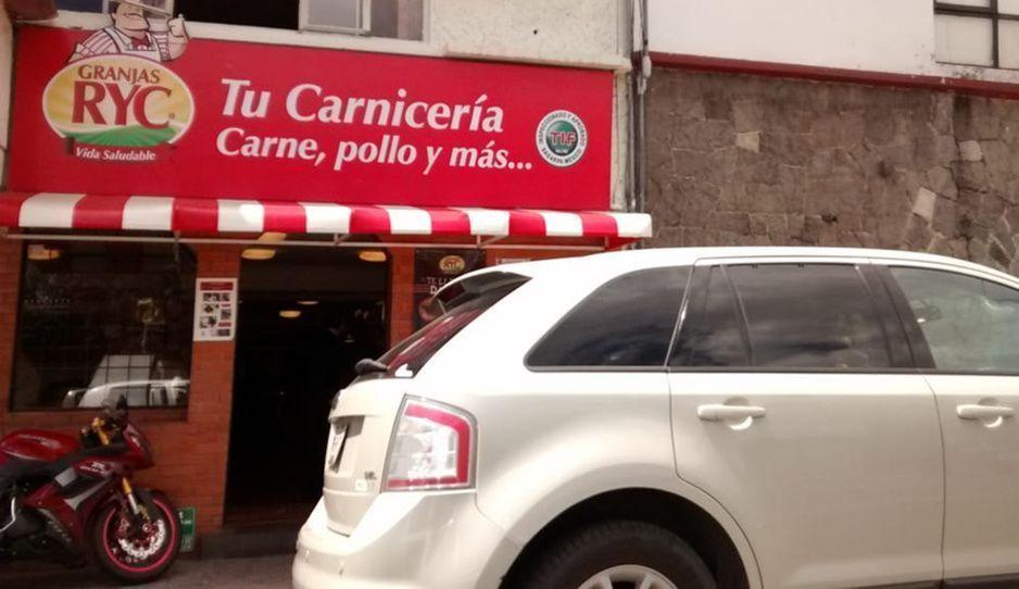 A punta de pistola, asaltan Granjas RYC de Gabriel Pastor; se llevan dinero en efectivo y celulares