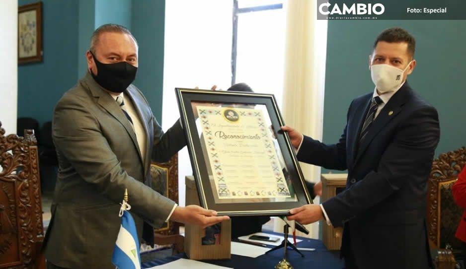 Guillermo Velázquez reconoce como visitante distinguido a embajador de Nicaragua en México