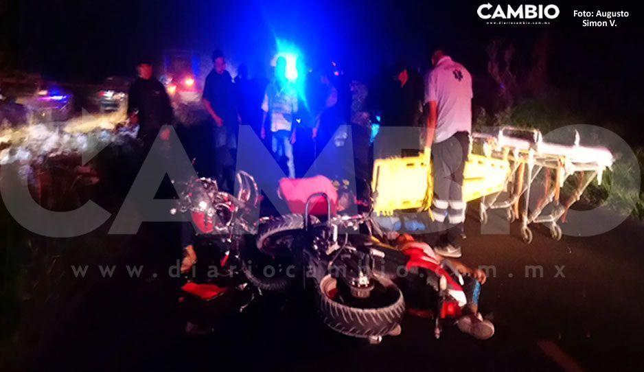 Fatal accidente entre dos motocicletas deja tres muertos y una joven con múltiples fracturas en Tochtepec