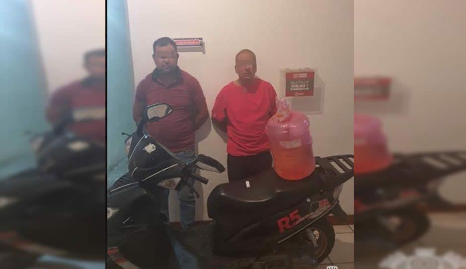 Con motocicleta robada y portando cocaína, caen dos huachicoleros en Texmelucan