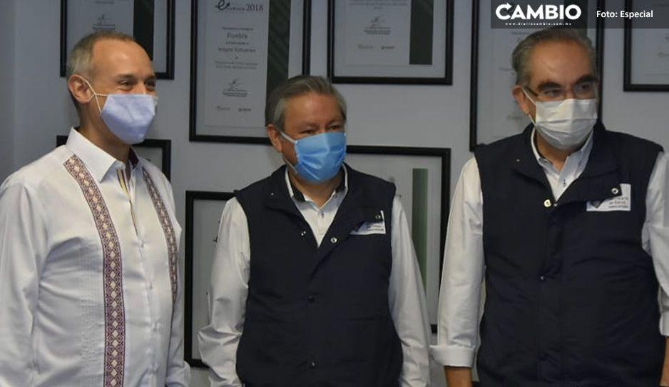 El Rockstar Gatell llega a Puebla; se reúne con el secretario de Salud
