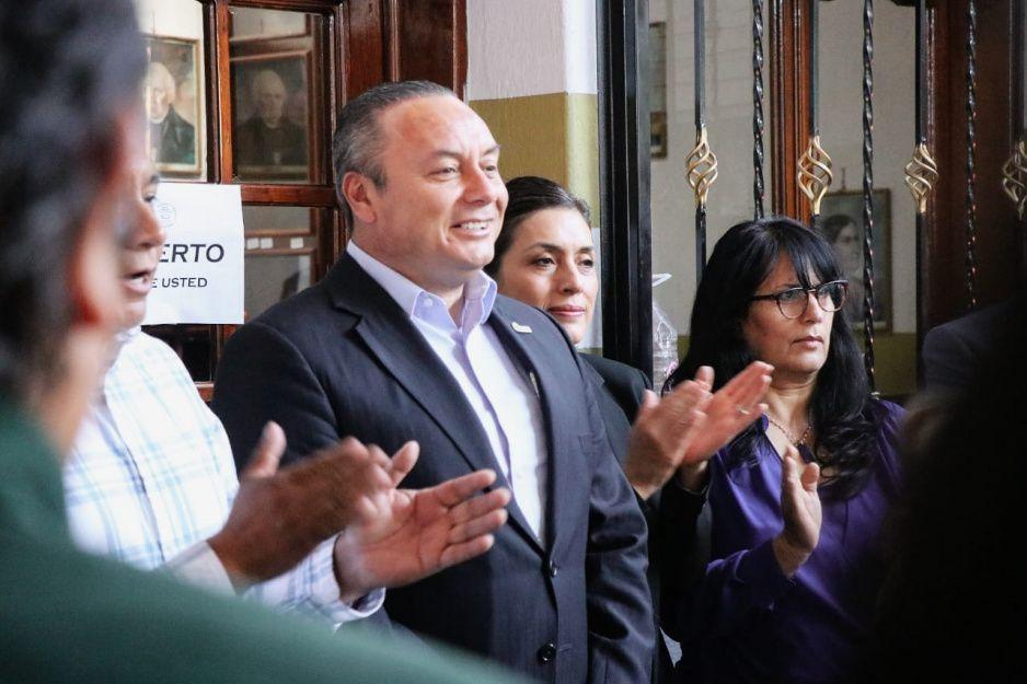 Guillermo Velázquez gestiona recursos para obra pública en Atlixco