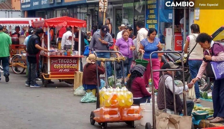 Pobladores de Huauchinango ignoraran a Gustavo Vargas e invaden las calles, algunos sin cubrebocas