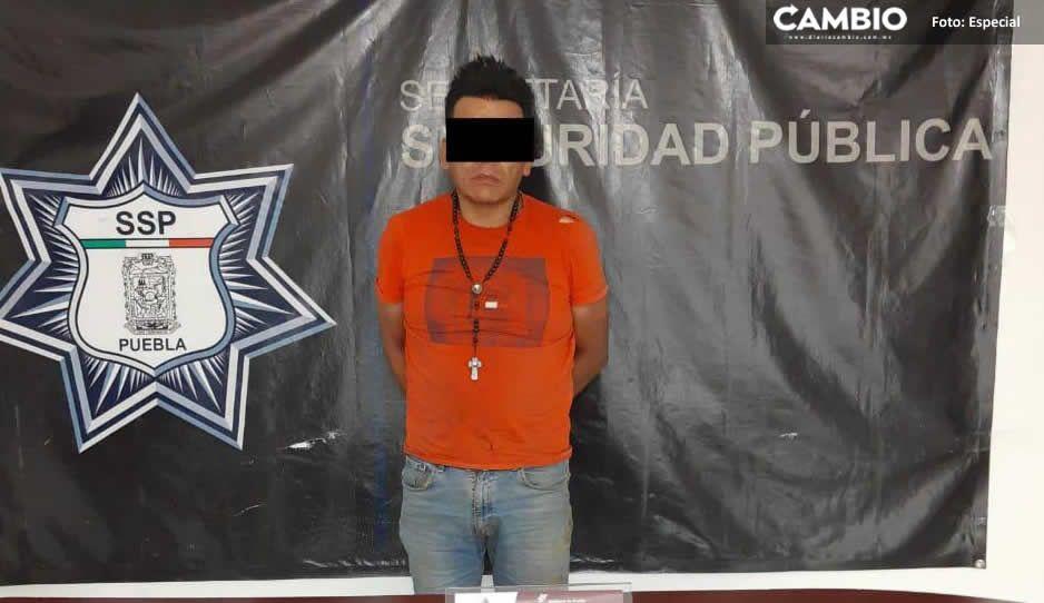 Policías detienen a sujeto con droga y arma de fuego en Texmelucan
