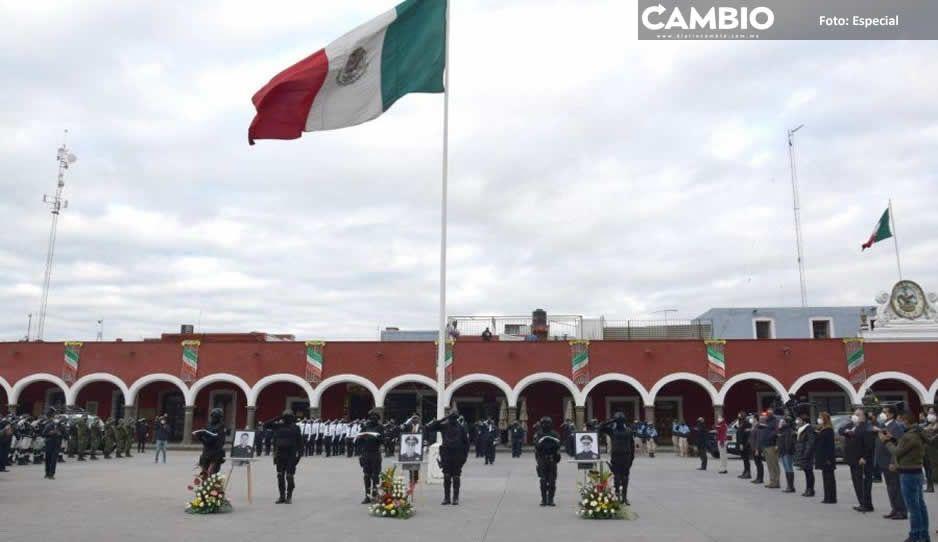 Rinde gobierno de San Pedro Cholula  homenaje a policías muertos por COVID
