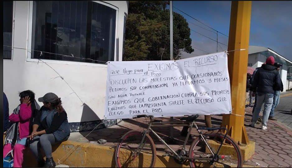Por falta de agua, pobladores de Cuyoaco bloquean carreteras Virreyes-Teziutlán y Amozoc-Nautla