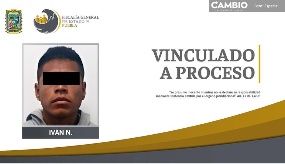 Desalmado amenaza con un cuchillo a su abuelita en Huejotzingo