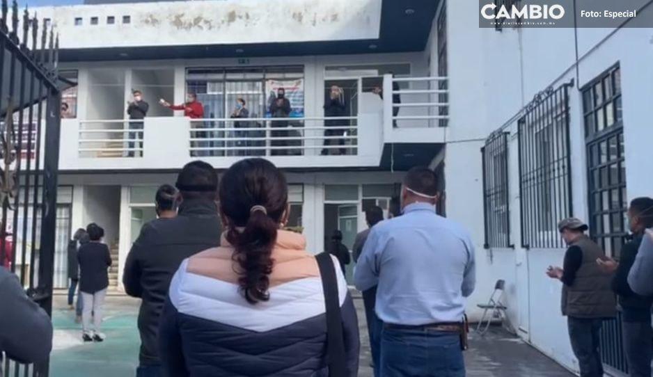Compañeros despiden a trabajador del ayuntamiento de Atlixco tras suicidarse por problemas económicos