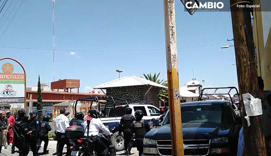 Policías de Texmelucan detienen y  golpean a reportero en operativo
