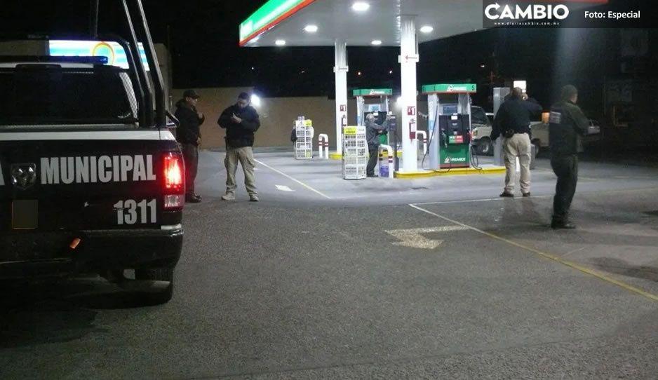 Sujetos armados asaltan gasolinera en Chietla