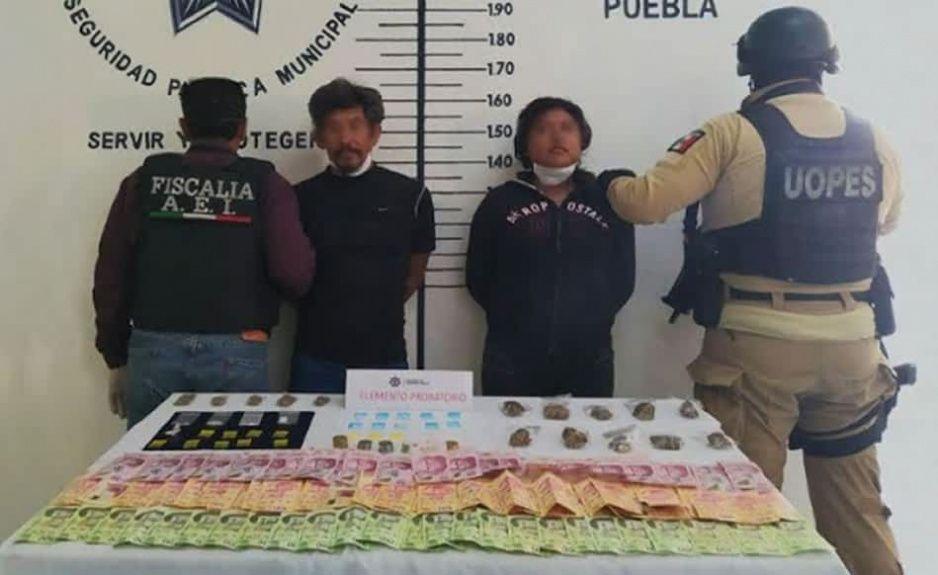 Aseguran a pareja por posesión de drogas en San Pedro Cholula