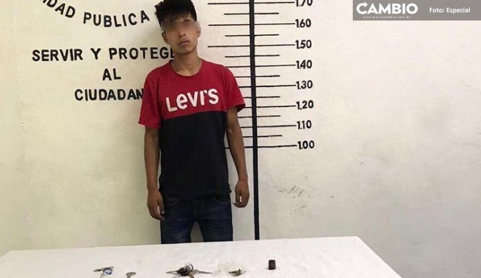 Frustra policía municipal de San Pedro Cholula robo de camioneta; hay un detenido