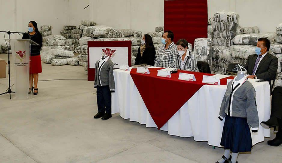 Cuautlancingo, sede regional para la entrega de uniformes escolares