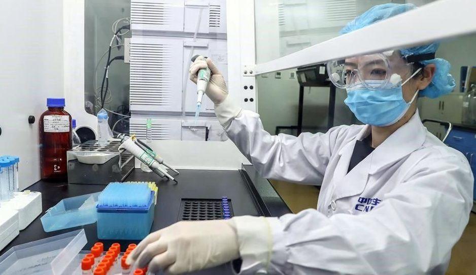 China inicia ensayos en humanos con dos vacunas para el coronavirus