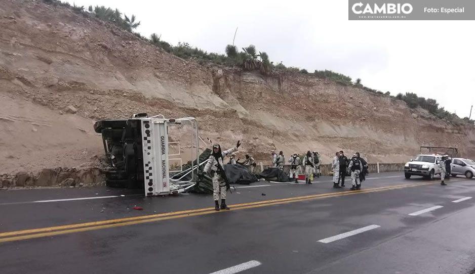Por ir a exceso de velocidad se vuelca unidad de la GN en la carretera Cuacnopalan-Oaxaca