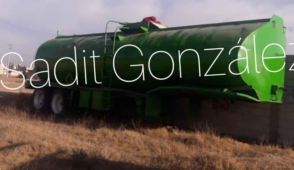 Municipales de Amozoc aseguran pipa de huachicol