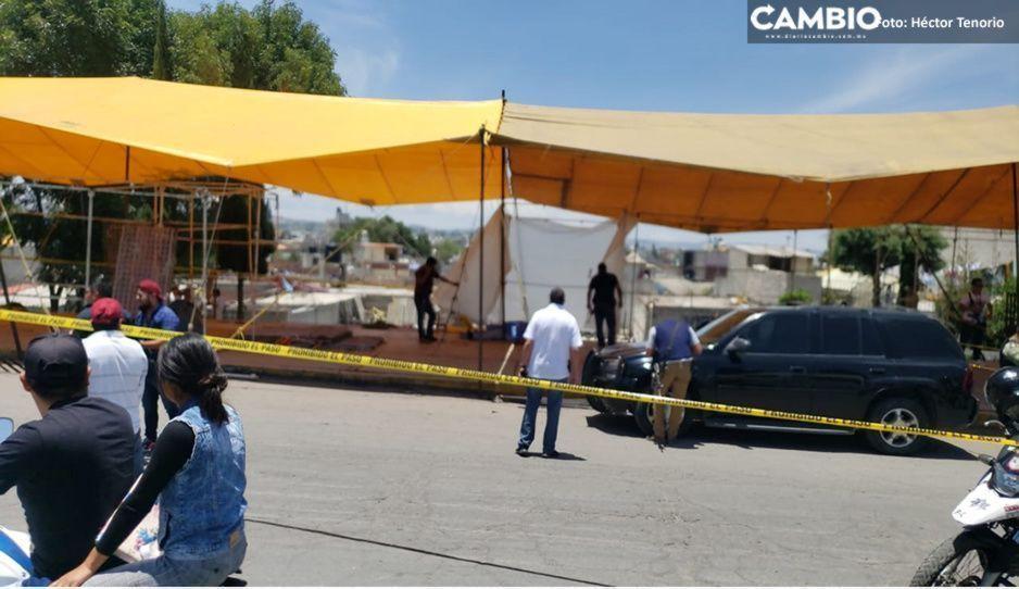 Suman dos muertos por balacera en tianguis de Texmelucan; secretaria de COP está grave