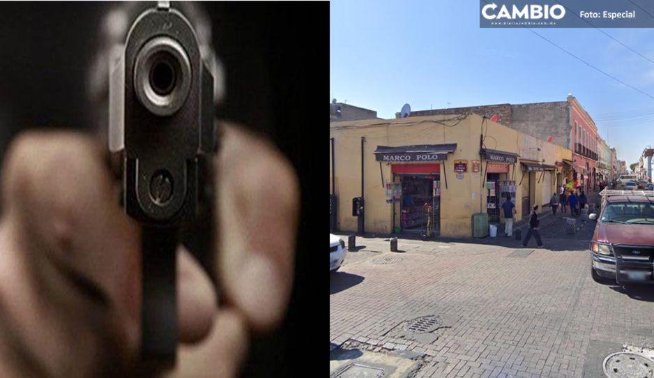 Comando armado asalta tienda de calcetines en pleno Centro Histórico