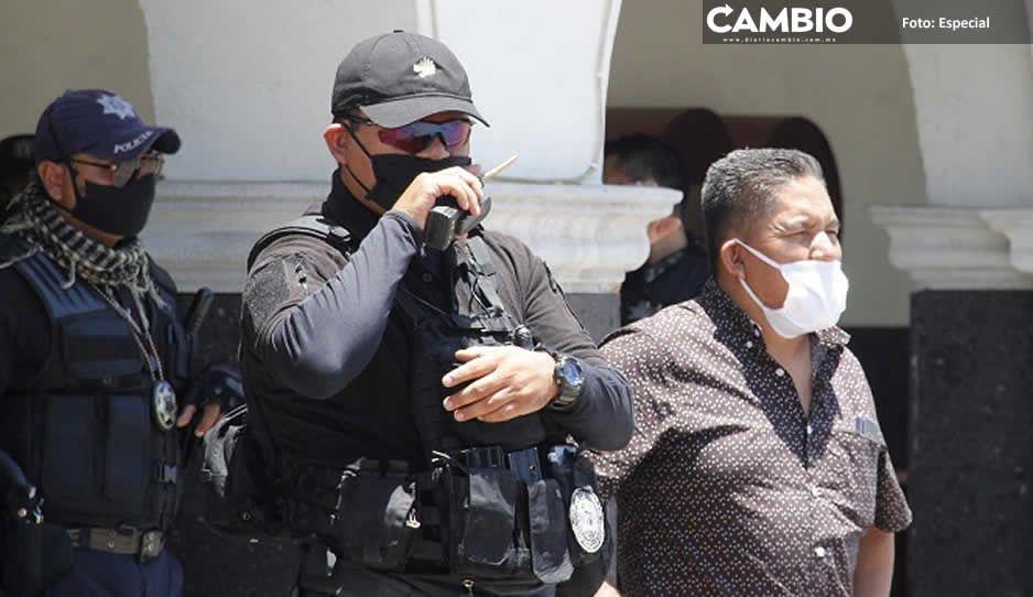 Acusan al comisario de Huejotzingo de pedir moches y acosar a mujeres policía