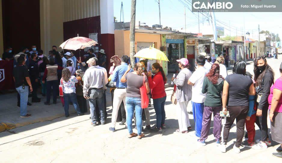 Zafarrancho en Xochimehuacán por informe de Claudia: no dejaban entrar a pobladores (VIDEO)